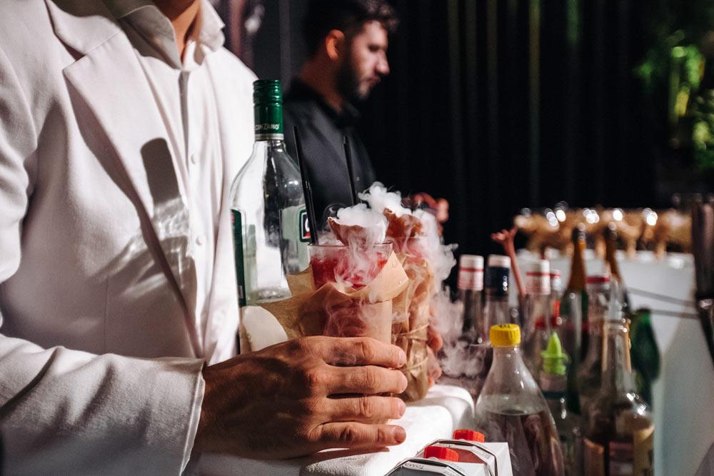 бармен на свадьбу