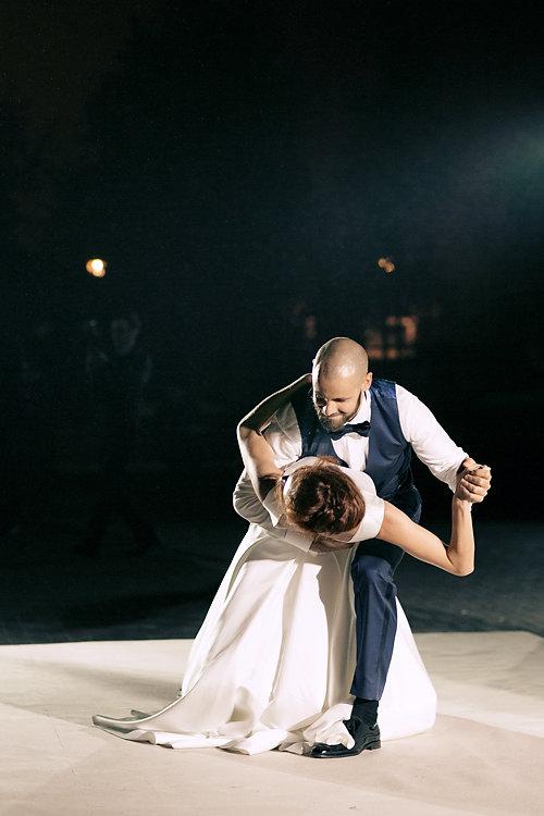 Первый танец и шоу теней